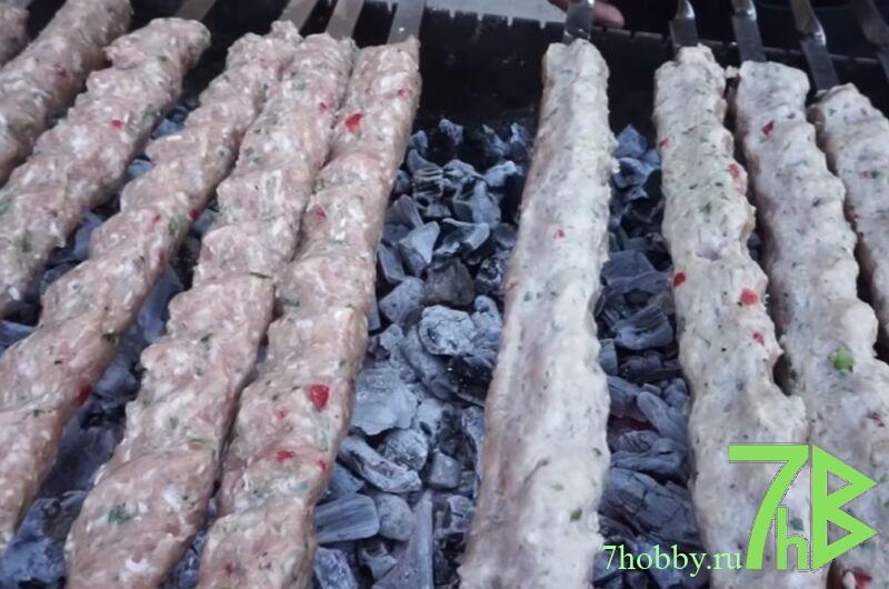 как правильно приготовить люля-кебаб из курицы на шампурах
