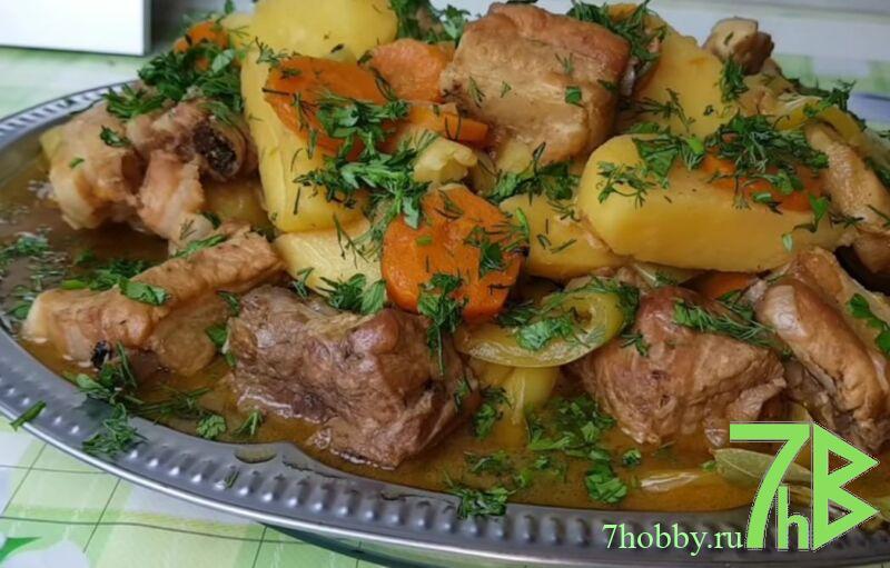 свинина с картошкой на сковороде